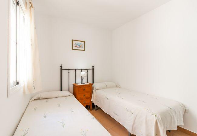Apartamento en Nerja - Rubarsal Burriana Playa Canovas Nerja (2763)