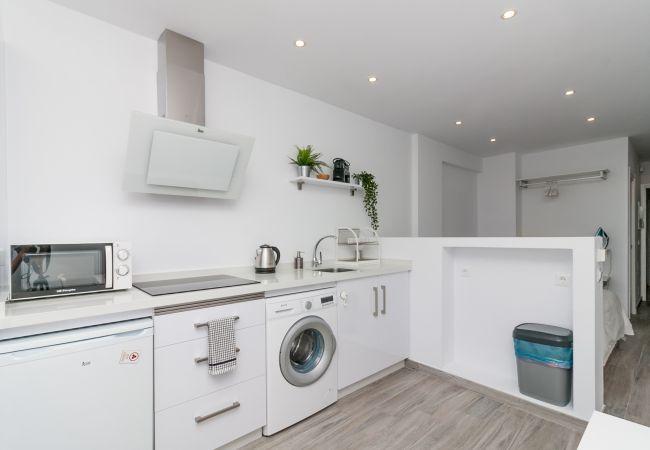 Apartamento en Nerja - Cool White Apartment Torrecilla Playa Canovas (CN)