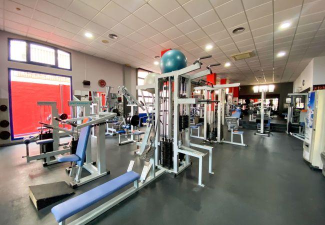 Apartahotel en Nerja - Hostel Gym Canovas Nerja (1) CN