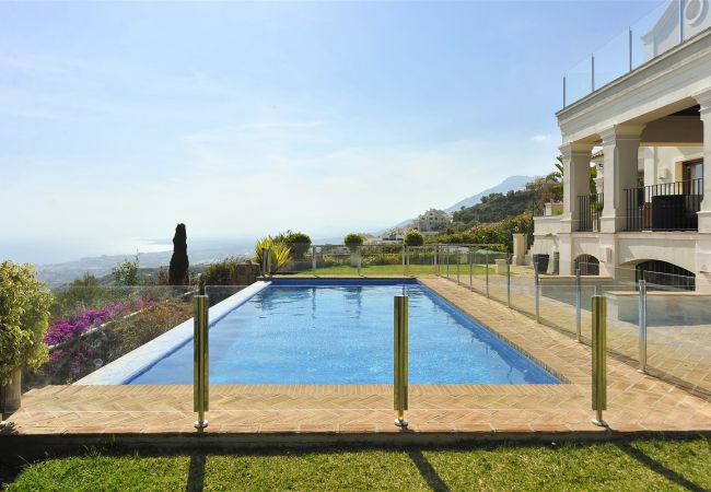 Villa in Marbella - Los Monteros Ocean Views Canovas (VC)