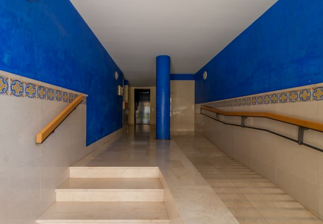Apartment in Marbella - Blumarine Las Arenas de Marbella Canovas (VC)