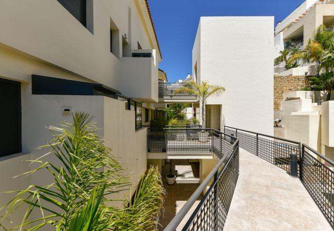 Apartment in Marbella - Monteros Hill Club Marbella Canovas (VC)