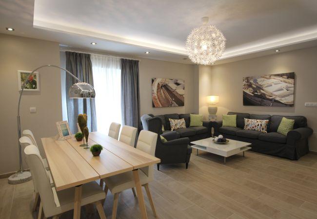 Apartment in Marbella - Gloria Apartment Marbella City Canovas (VC)