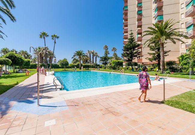 Apartment in Almuñecar - Apartamentos Las Gondolas Almuñecar Canovas GCA