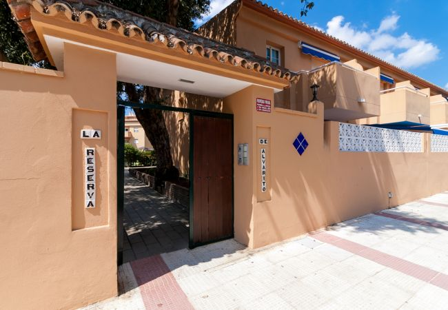 Townhouse in Marbella - Breezy Beachside Townhouse Canovas (VC)