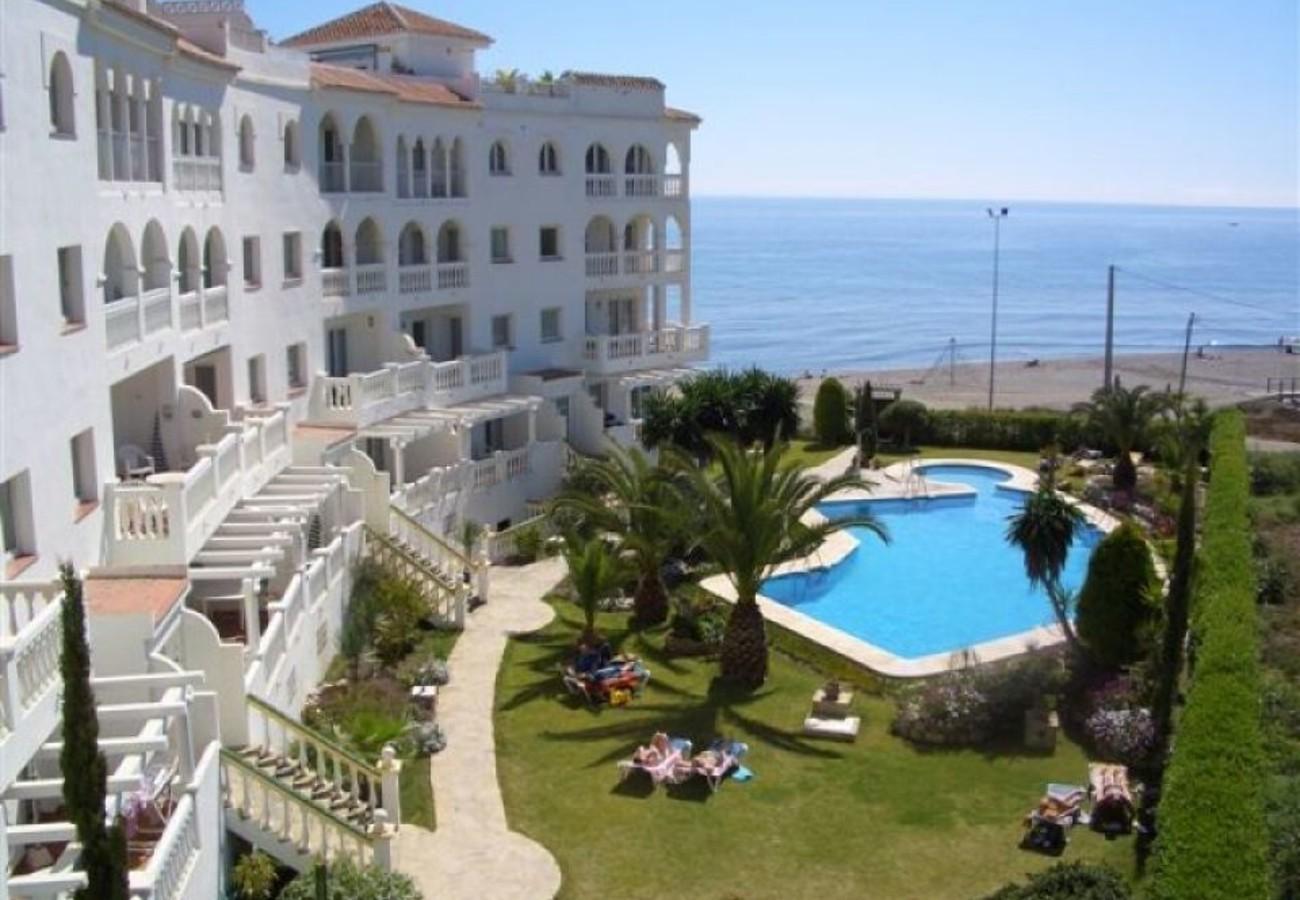 AV-0029 Apartamento 1ª línea de playa (3391) - Apartments ...